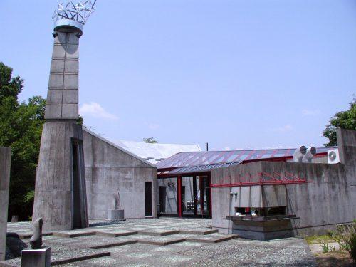 アンフォルメル中川村美術館